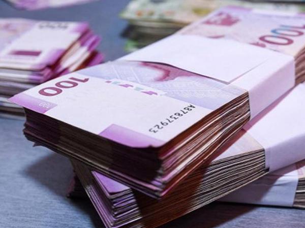 Bu dövlət qurumlarında aylıq vəzifə maaşları artırıldı - SƏRƏNCAM