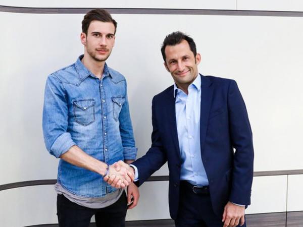 """""""Bavariya"""" 22 yaşlı futbolçunun transferini rəsmiləşdirdi"""