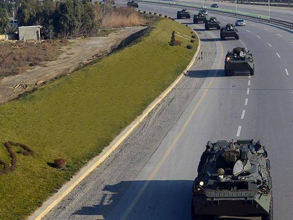 Rusiyadan Azərbaycana müasir hərbi texnikalar gətirildi - VİDEO - FOTO