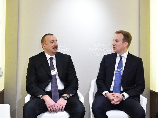 Prezident İlham Əliyevin Davosda Dünya İqtisadi Forumunun prezidenti ilə görüşü keçirilib