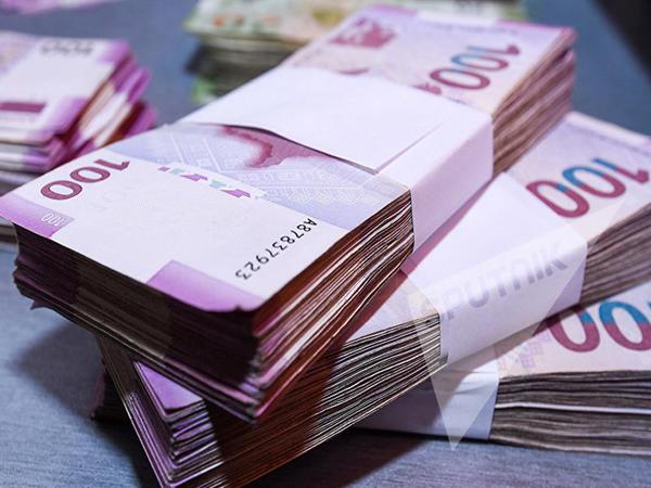 Əhalinin banklardakı əmanətləri 8 milyard manatı ötüb