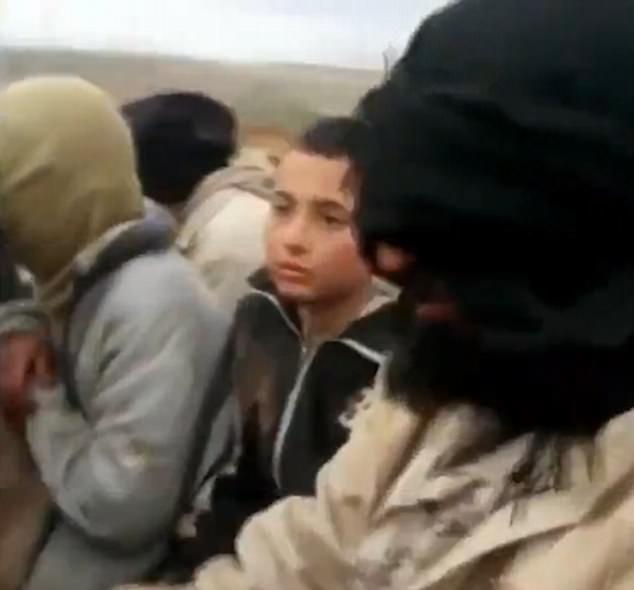 11 yaşlı İŞİD-çi oğlan: