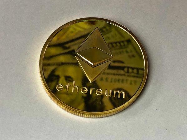 """Ethereum nədir: Bitcoin-in taxtını <span class=""""color_red"""">əlindən alacaqmı?</span>"""