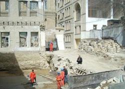 "Bakıdakı ""Stalinka"" tipli binalar sökülür - VİDEO"