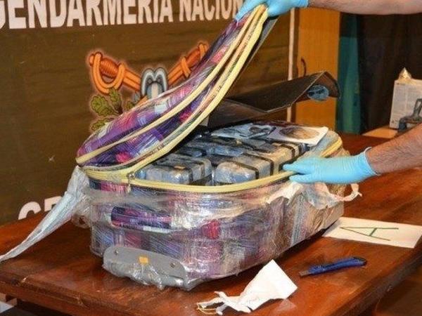Rusiyanın Argentinadakı səfirliyindən 400 kq kokain aşkarlanıb - FOTO