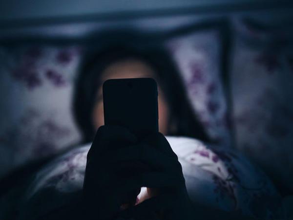 """""""Apple"""" istifadəçilərə daha yaxşı yatmaqda kömək edəcək"""
