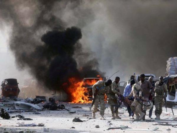 Somalinin paytaxtında iki partlayış baş verib, ölənlər və yaralananlar var - YENİLƏNİB