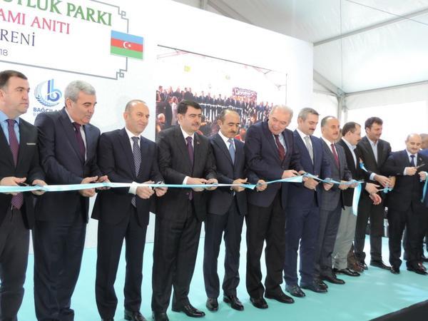 İstanbulda Azərbaycan Dostluq Parkının və Xocalı soyqırımı abidəsinin açılışı olub - FOTO