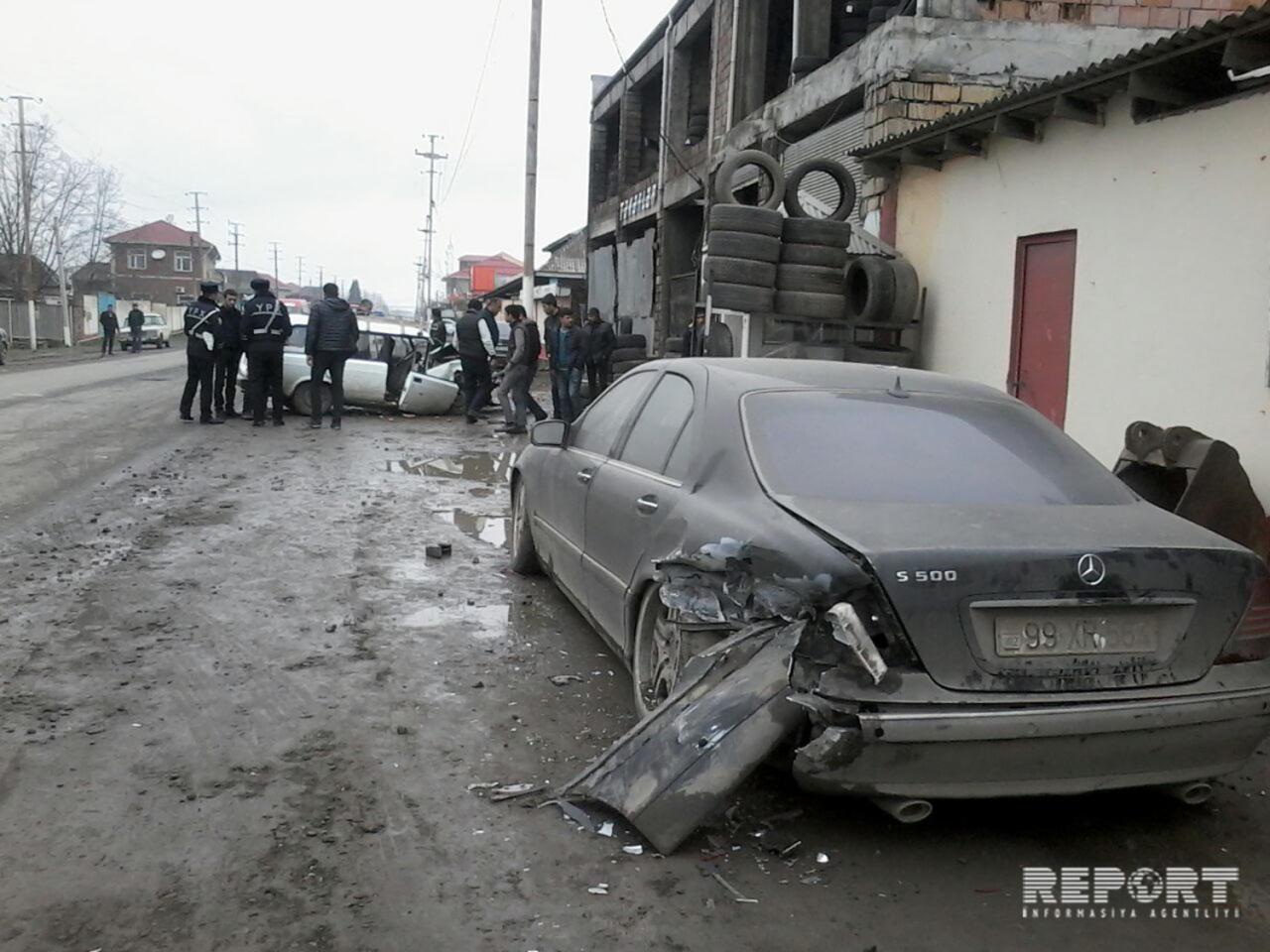 Lənkəranda avtomobil qəzası: 78 yaşlı sürücü xəsarət aldı – Foto