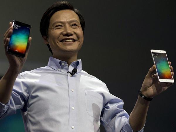 """""""iPhone"""" dünyada ən yaxşı smartfondur - <span class=""""color_red"""">""""Xiaomi""""nin baş direktoru</span>"""