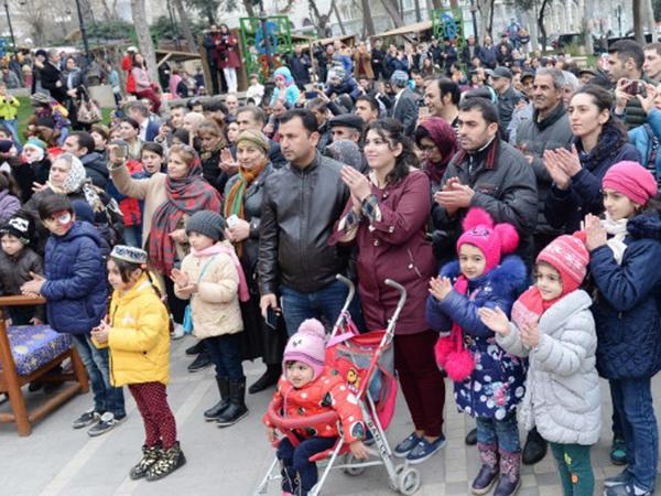 """Bakıda təntənəli """"Novruz"""" festivalı - VİDEO"""