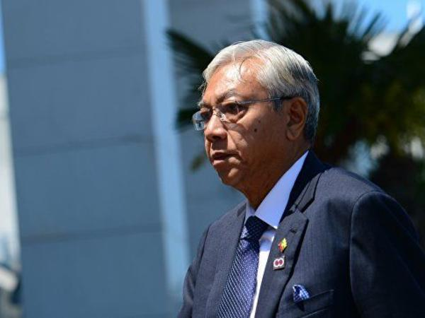 Myanma prezidenti istefa verib