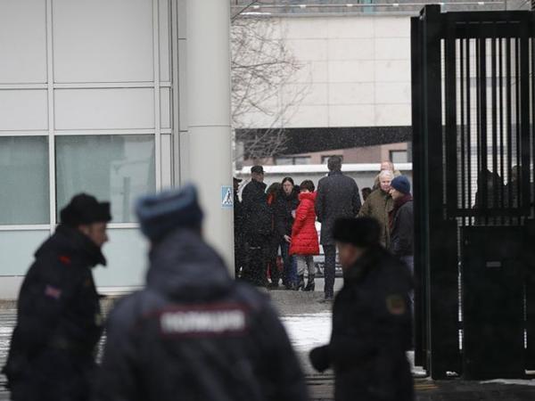 23 diplomat Rusiyanı tərk edir
