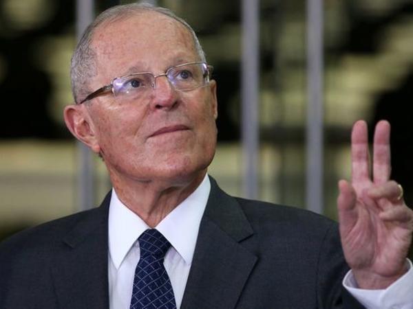 Peru parlamenti ölkə prezidentinin istefasını qəbul edib