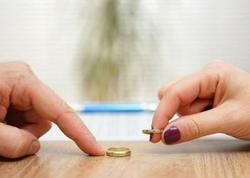 Küçəyə çıxma qadağası bu ölkədə boşanmaların sayını artırdı