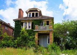 Bu evlər 1 dollara satılır - FOTO