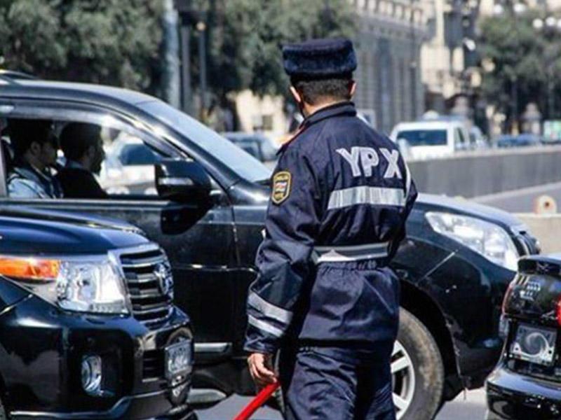 Bakıda yol polisinin davranışı müzakirələrə səbəb oldu - VİDEO
