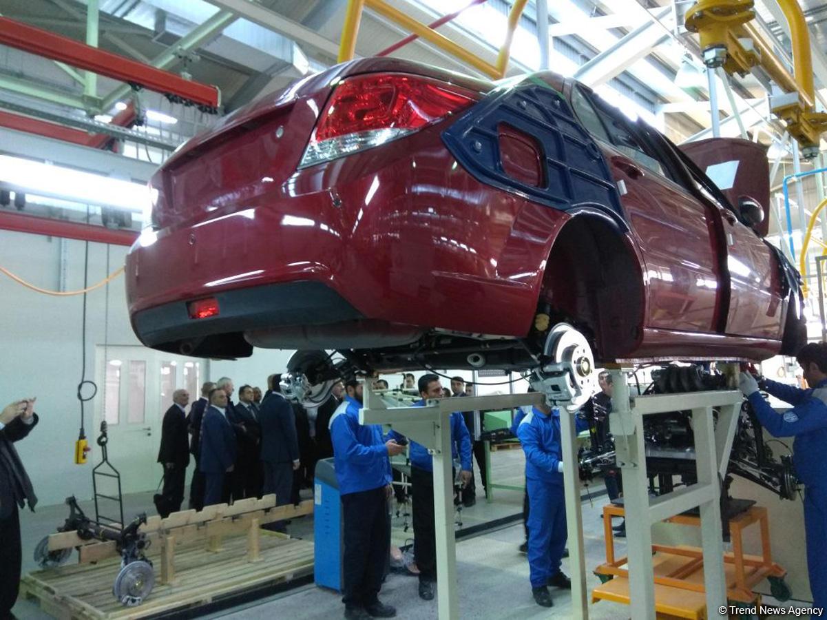 Bu da Azərbaycan və İranın birgə istehsal etdiyi avtomobilin ilk nümunəsi - FOTO