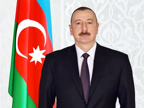 Prezident İlham Əliyev Vladimir Zelenskini təbrik edib