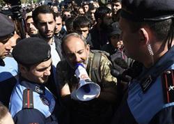 Ermənistan müxalifəti məmurları  aksiyalara cağırdı