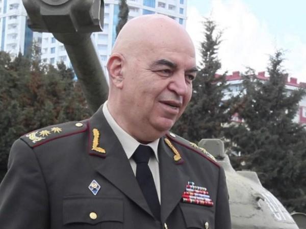 """""""Cəbhədə vəziyyət hər an gərginləşə bilər"""" - <span class=""""color_red"""">Məşhur general</span>"""