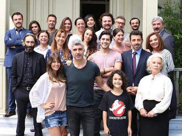 """""""İstanbullu gəlin""""də gözlənilməz ayrılıq - 3 məşhur birdən vida edəcək"""