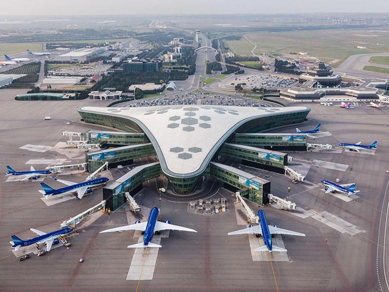 Dünyanın ən gözəl hava limanlarından biri quş uçuşu yüksəkliyindən necə gör ...