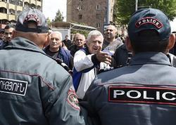 Ermənistan prezidenti ölkədəki vəziyyəti təhlükəli adlandırıb