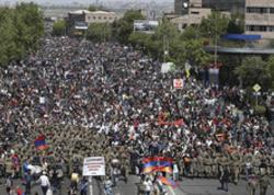 Yerevandan Gürcüstan və İrana gedən yollar bağlanıb