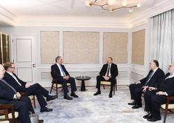 Prezident İlham Əliyev Britaniya parlamentinin bir qrup üzvü ilə görüşüb - FOTO
