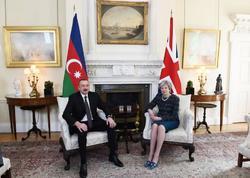 Azərbaycan Prezidenti İlham Əliyevin və Böyük Britaniyanın Baş naziri Tereza Meyin görüşü olub - FOTO