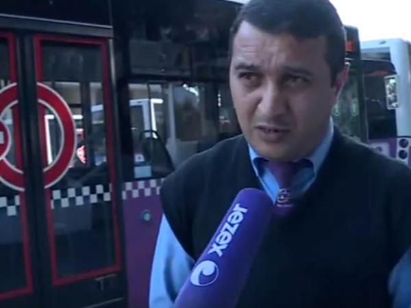 """Getməyə yeri olmayan qadına avtobus <span class=""""color_red""""> sürücüsü kömək etdi - Bakıda - VİDEO</span>"""