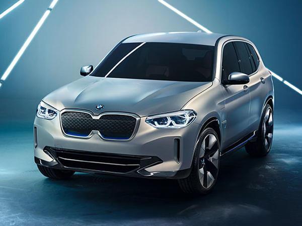 Elektrokrossover BMW iX3 - FOTO