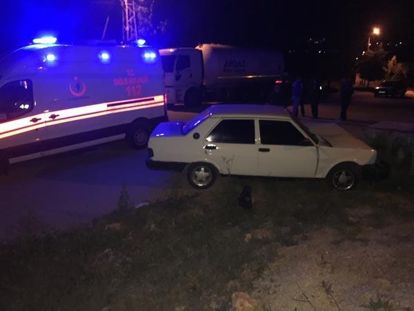 Qəzaya düşən maşının qapısını açanda DƏHŞƏTƏ GƏLDİLƏR - FOTO
