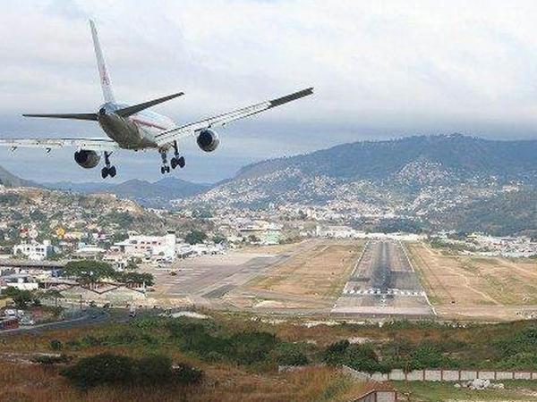 Dünyanın ən təhlükəli aeroportları - FOTO