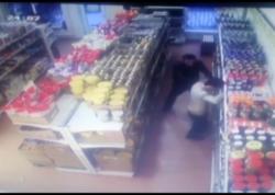Mağazaya basqın edib iki işçini başından vurdu - Azərbaycanda - VİDEO