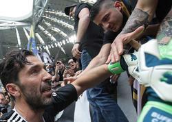 "Buffon ""Yuventus""da karyerasını başa vurub - FOTO"