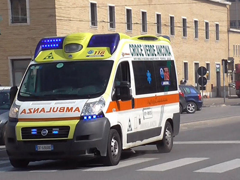 İtaliyada avtobus qəzaya uğradı: 26 yaralı