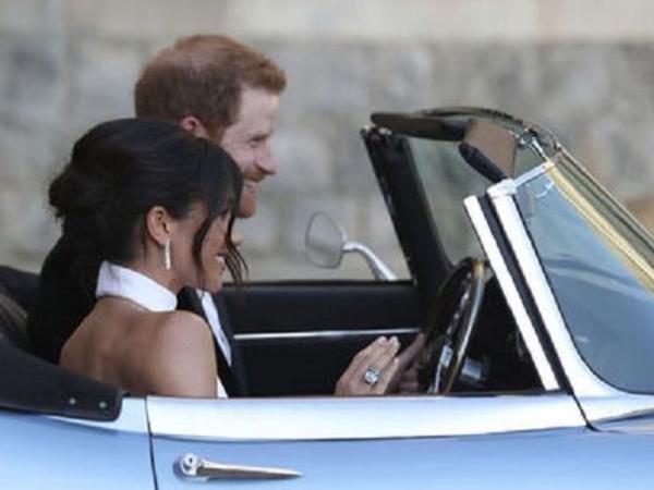 Şahzadə Harri anasının üzüyünü həyat yoldaşına hədiyyə edib