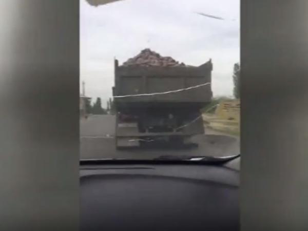 Sürücülərin nəzərinə: bu halda zərəri kim ödəməlidir? - VİDEO