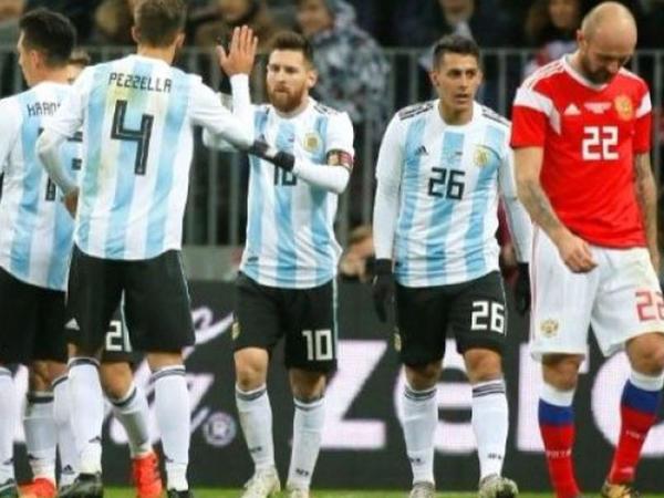 Fələstinli futbolçu Messinin komandasından dəstək istədi