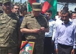 Şəhid hərbçinin medalı ailəsinə təqdim olundu - FOTO