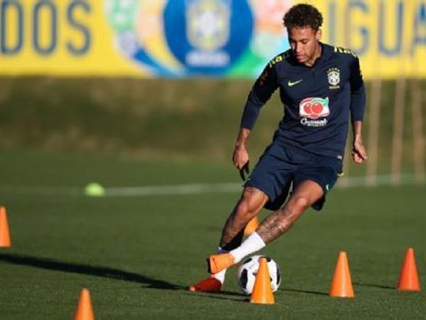 Neymar məşqlərə başladı
