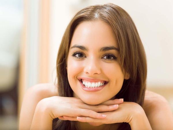 Gülüş stresslə bağlı hormonların səviyyəsini azaldır