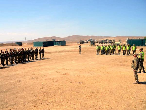 Azərbaycan Ordusunun kəşfiyyat bölüyünün təlimi keçirilir - VİDEO - FOTO