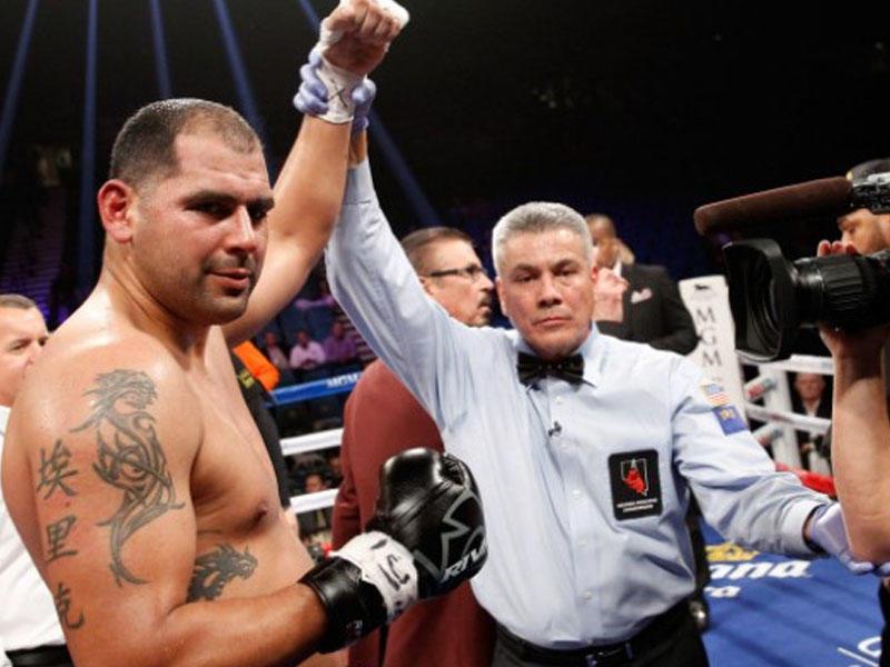 Amerikalı boksçu diskvalifikasiya edildi