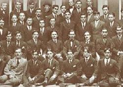 """1920-ci ilədək Azərbaycanda nə qədər ali təhsilli olub? - <span class=""""color_red"""">İNANILMAZ RƏQƏM</span>"""