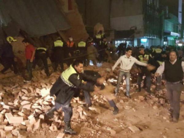 Argentinada kinoteatr uçub, ölən və yaralananlar var - VİDEO