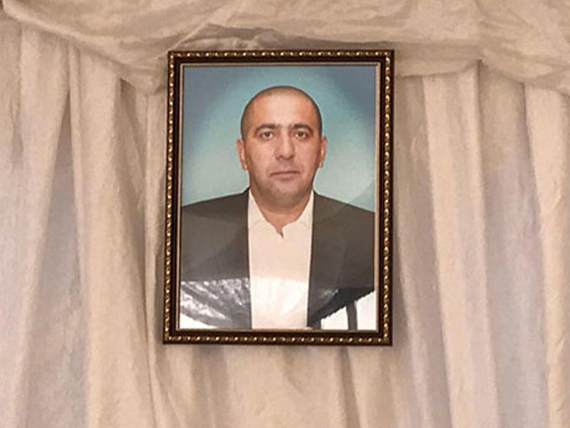 Əməkdar artist Zöhrə Abdullayevanın oğlu İsrafil Abdullayev ömrünün 47 yaşında vəfat edib