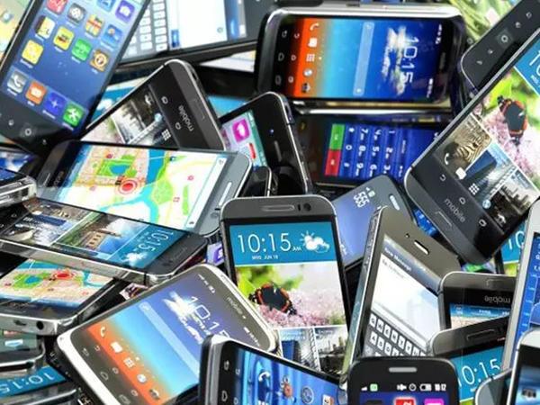 Alıcıların rəğbətini qazanmış smartfon hansıdır?